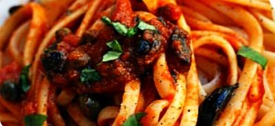 Spaghetti Puttanesca pasta