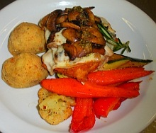 Chicken breast with mushrooms entree