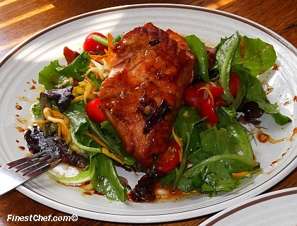 Maple-glazed salmon salad