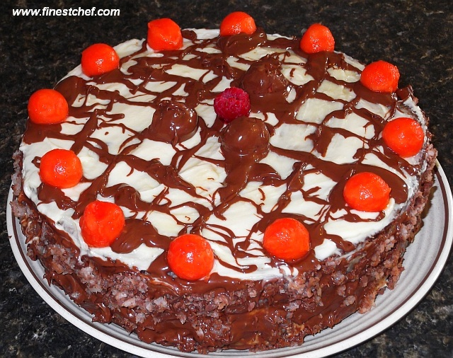 Papaya-chocolate birthday cake
