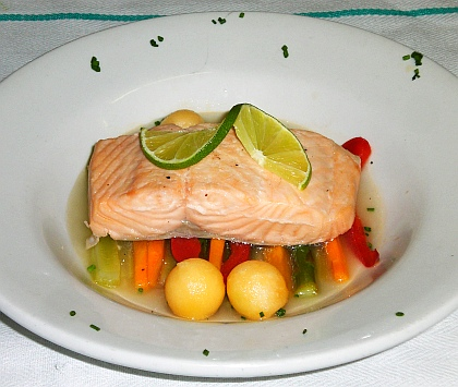 Poached salmon fillet picture